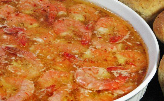 طرز تهیه میگو پخته شده با سس ایتالیایی