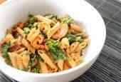 پاستا با سس پستو و سبزیجات