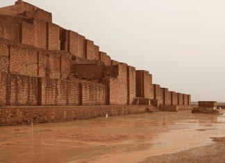 دیوار اجری قصر ،طلوع و غروب
