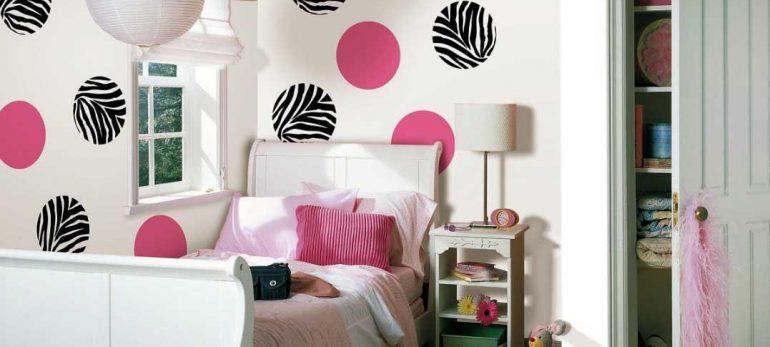 تزئین خلاقانه دیواربا استفاده از کاغذ رنگی