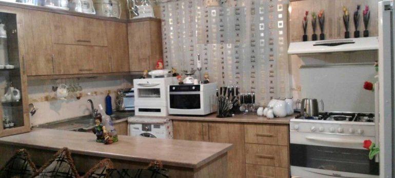 چیدمان آشپزخانه با کابینت های مناسب