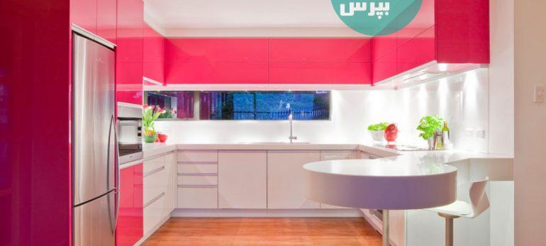 طراحی آشپزخانه ای زیبا با استفاده از کابینت های بدون دستگیره
