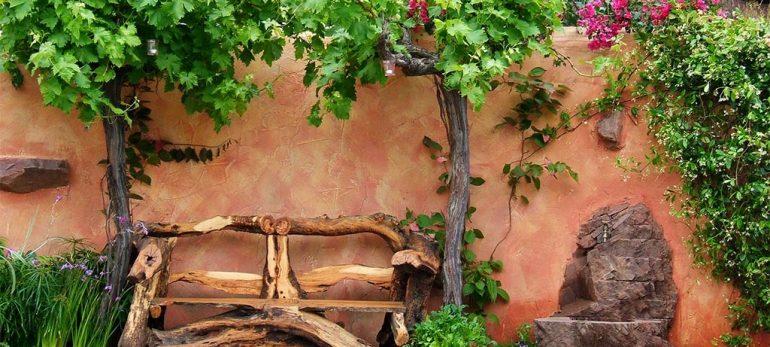 زینت بخشی به باغ و باغچه با به بکار بردن مصالح مختلف