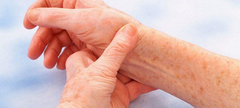 تب روماتیسمی و درمان آن
