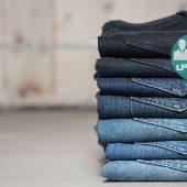 طرز رنگ کردن لباس جین در خانه