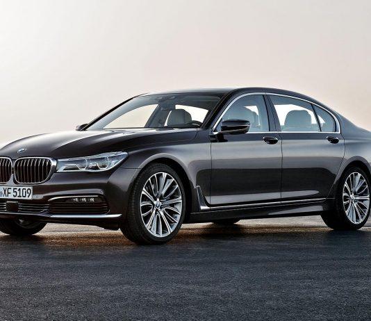 نقد و بررسی بی ام و 750i سدان اسپرت و لوکس ( BMW 750i 2017 )