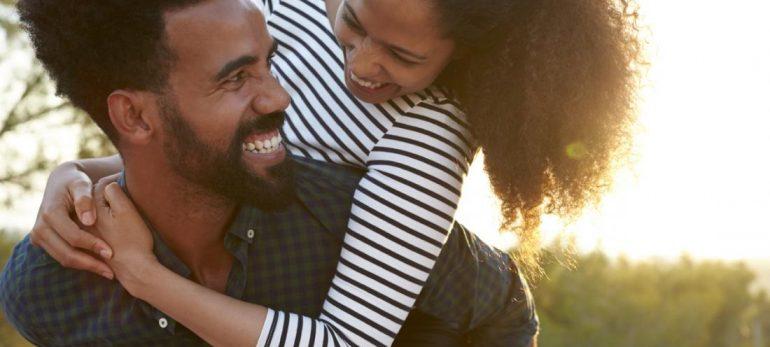 چرا زوجین از یکدیگر جدا میشوند یا کنار هم می مانند؟